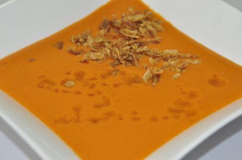 Gazpacho con cebolla frita