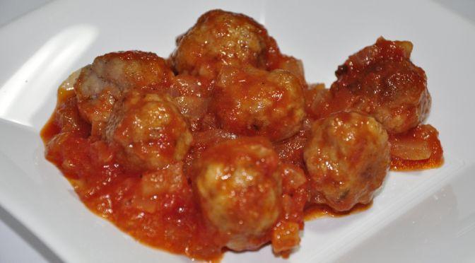 Albóndigas con salsa de tomate y tomillo