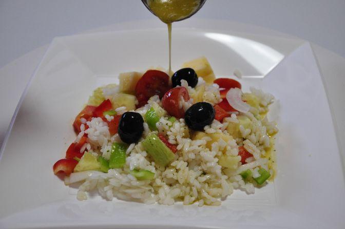 Ensalada de arroz y manzana a la vinagreta de menta