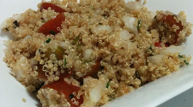 Ensalada de quinoa, cebollino y ajo negro