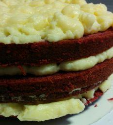 Varias capas de bizcocho y crema pastelera