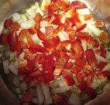 Cebolla con aceite y pimiento rojo