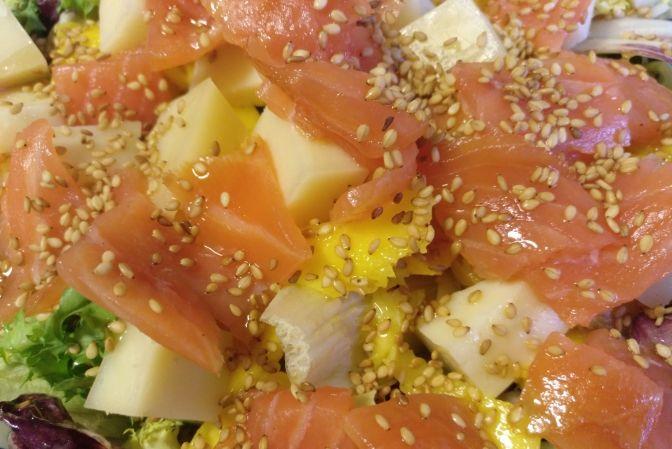 Ensalada de salmón y mango