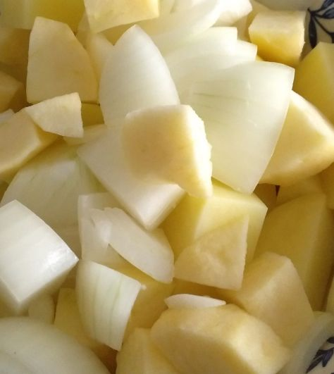 Manzana con patata y cebolla