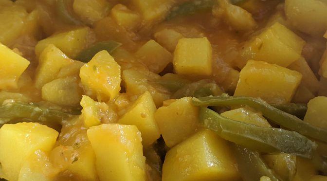 Patatas guisadas con pimientos